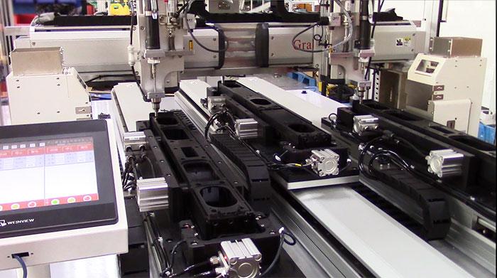 苏州某有限公司双Y背靠背锁音箱配件立式自动锁螺丝机