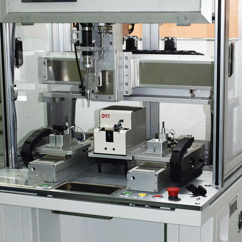 浙江某有限公司锁剃须刀配件自动锁螺丝机厂家案例