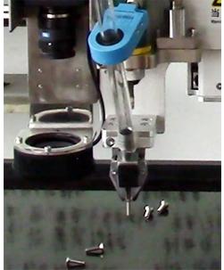 嘉宝GB-L441视觉成像定位CCD在线锁螺丝机-自动送料图