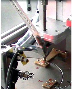 嘉宝GB-MR-1端子转盘式全自动打螺丝机-自动送料图