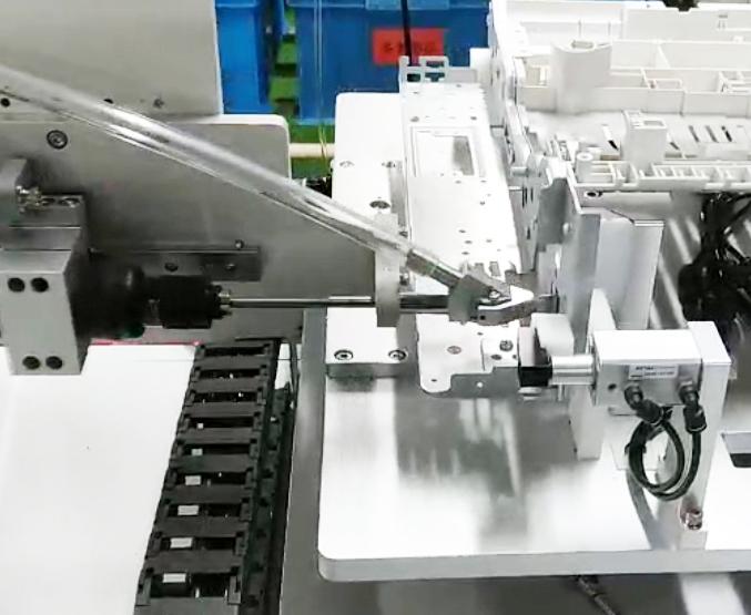 嘉宝自动锁三极管螺丝机-自动送料图