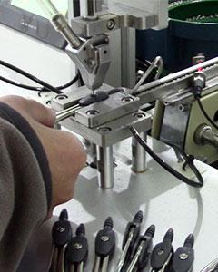 自动拧螺母锁圆规速度快图
